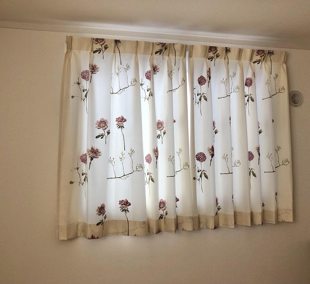 戸建・刺繍のカーテン